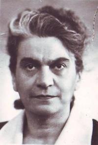 Аламдарова, Элеонора Никитична
